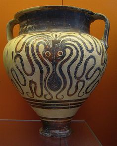 MYCENAEN Octopus amphora 1400 BC. The Mycenaens on the mainland, were also dependent on fishing and marine life. Similar maritime themes appeared on their pottery.