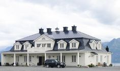 46 ~Modern Mansard done fairly well Innovative Architecture, Architecture Design, Mansard Roof, Second Empire, House Layouts, Nordic Style, French Country Decorating, House Goals, Farmhouse Style