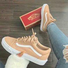 - Erstaunlich coole Ideen: Herbst Schuhe Zapatos yeezy Schuhe Schuhe grenzenlos va … Source by nadinefischere - Vans Sneakers, Moda Sneakers, Tenis Vans, Sneakers Fashion, Women's Vans, Green Sneakers, Shoes Online, Beige Sneakers, Girls Shoes
