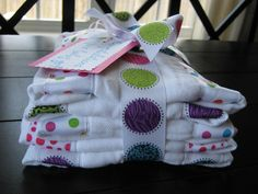Tutorial on how to make cute burp clothes.  Easy and great baby shower gift!