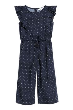 Jumpsuit in airy woven viscose fabric with a printed pattern. Short flounced sleeves buttons at back and narrow elasticized seam at waist with decorative bow. Dresses Kids Girl, Cute Girl Outfits, Kids Outfits Girls, Teen Fashion Outfits, Toddler Outfits, Baby Outfits, Toddler Jumpsuit, Jumpsuit For Kids, Rose Clothing