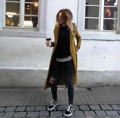 Vans coat in black denim # denim # coat - Outfit ideen - Denim Fashion Fashion Mode, Look Fashion, Womens Fashion, Fashion Trends, Looks Street Style, Looks Style, Fall Winter Outfits, Autumn Winter Fashion, Autumn 2018 Outfit Ideas