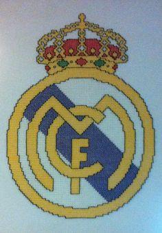 Escudo del Real Madrid a Punto de Cruz
