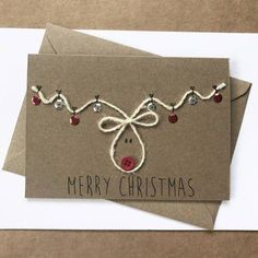 25 postales de Navidad originales y DIY para hacer en casa Homemade Christmas Cards, Christmas Gift Wrapping, Christmas Cards To Make, Button Christmas Cards, Christmas Cards Handmade Kids, Creative Christmas Cards, Chrismas Cards, Simple Christmas Gifts, Christmas Envelopes