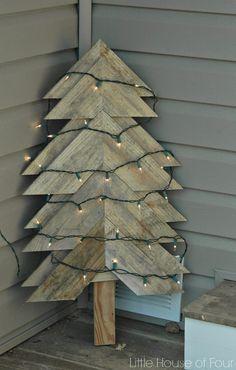 DIY Rustic Pallet Tree