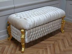 Alle Informationen zum Artikel finden Sie unter:  https://www.louisxv.de/barock-hocker-sitzbank-waeschetruhe-antik-stil-gold-alba2011gobg/hocker/a-41740012/