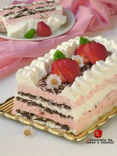 Cake with zucchini bacon and goat's cheese - Clean Eating Snacks Strawberry Shortcake Recipes, Savoury Cake, Cake Pans, Goat Cheese, Clean Eating Snacks, Vanilla Cake, Oreo, Cheesecake, Bacon