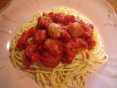 Espaghetis con albóndigas de pollo