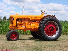 1953 Minneapolis-Moline UBU. Antique Tractors, Vintage Tractors, Old Tractors, John Deere Tractors, Vintage Farm, John Deere Equipment, Heavy Equipment, Tractor Photos, Minneapolis Moline