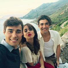 Esto cada vez se pone mejor! #TiniElGranCambioDeVioletta  It just keeps getting better! #TiniElGranCambioDeVioletta