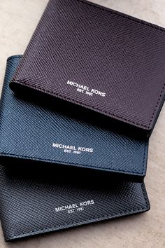 From billfolds to card cases, Michael Kors has the styles to suit any dad. Help him keep his cash and cards close at hand with our Harrison slim leather billfold wallet. This impeccably designed leather piece offers multiple card slots and an ultra-slim design that provides sleek organization. A minimalist aesthetic ensures it's a worthy addition to the modern man's essentials. Get the best Father's Day present for him today on www.michaelkors.com! #ToTheMan