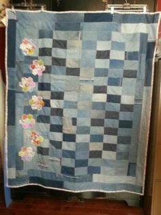 Handmade-upcycled-blue-jean-quilt-with-hexagon-flowers  52x60 50
