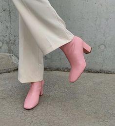 Dr Shoes, Sock Shoes, Cute Shoes, Me Too Shoes, Trendy Shoes, Look Fashion, Fashion Shoes, Fashion Outfits, Womens Fashion
