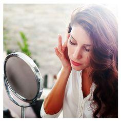 A tendência de maquiagem No Makeup nos mostra como a valorização da beleza natural é mais importante do que cobrir a pele de maneira desmedida. Saiba mais no blog da Gloria Pires! . #bemglo #boasideias #boaspraticas #estarbem #gloriapires #tudodebemglo #viverbem #estilo #nomakeup #make #makeup #maquiagem #belezanatural #maquiagemsimples