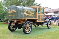 1919 Ford Model TT gas tanker   ===>   https://de.pinterest.com/galenkoko1/planes-trains-automobiles/   ===>   https://de.pinterest.com/pin/21673641935084252/