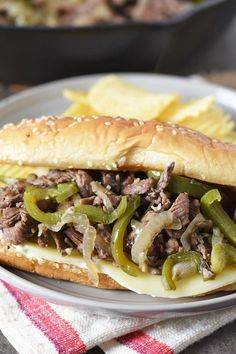 Philly Cheese Steak Sandwich Recipe Easy, Steak Sandwiches, Homemade Philly Cheesesteak, Cheesesteak Recipe, Healthy Chicken Strips, Easy Skillet Meals, Delicious Sandwiches, Sirloin Steaks, Beef Recipes