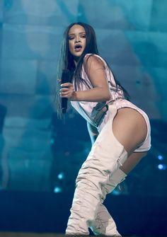 Rihanna Anti-World Tour