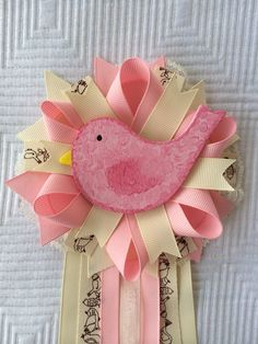 Bird birdie vintage pink ivory girl baby shower corsage pin on etsy Distintivos Baby Shower, Baby Shower Crafts, Baby Girl Shower Themes, Unique Baby Shower Gifts, Baby Shower Gender Reveal, Baby Shower Favors, Baby Shower Parties, Babyshower, Corsage Pins