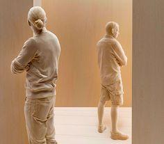Escultura por Peter Demetz/ Scultures by Peter Demetz