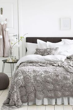 Look at Bed Skirt — Maybe my mom can make this throw blanket for me. 🙂 is creative inspiration for us. Get more photo about home decor related with by looking at photos gallery at the bottom of this page.
