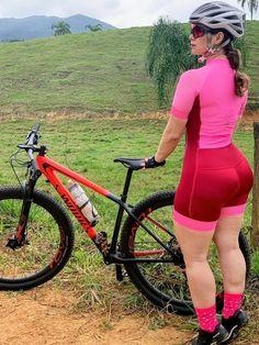 Do you like cycling? Pernas Sexy, Cycling Girls, Bicycle Girl, Biker Girl, Curvy Women Fashion, Athletic Women, Sport Girl, Beautiful Asian Girls, Sexy Women