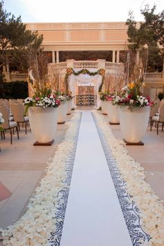 Bellagio provides the perfect poolside ceremony and reception space for your romantic Las Vegas wedding. | Bellagio Las Vegas Outdoor Wedding