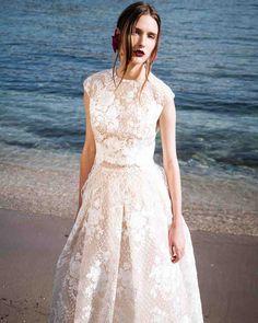 The 9 Best Wedding Dress Trends from Bridal Fashion Week   Martha Stewart Weddings