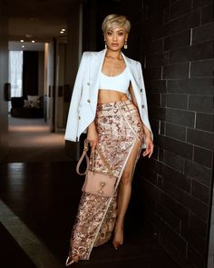 Summer Celebrity Party Women Long Skirt Mesh And Sequined Split Ankle-Length Sexy Night Out Skirt Women Night Out Skirts, Estilo Jenner, Estilo Glamour, Micah Gianneli, Long Skirts For Women, Runway Fashion, Womens Fashion, Looks Chic, Urban Fashion