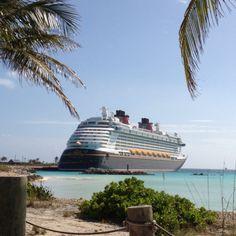 Le superbe Disney Dream avec en prime... 5 nuits et 6 jours de bonheur familial dans les Bahamas.