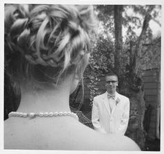 6 Prom Picture Ideas To Try With Your Friends!