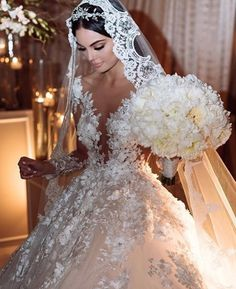 The biggest wedding dress trends of 2017 revealed - Welt der Hochzeit Big Wedding Dresses, Wedding Dress Trends, Bridal Dresses, Timeless Wedding Dresses, Elegant Wedding, Wedding Goals, Wedding Day, Wedding Veil, Perfect Wedding