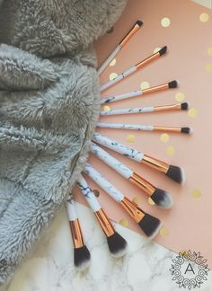 MARBLE COLLECTION CONTOUR SET - AQUALUZZA Our beautiful marble inspired make-up brush set is sassy & classy. The marble finish on the handles, rose gold detailing and into white ombre bristles give this set an eye catching and luxe feel. Available online #Makeup #Brushes