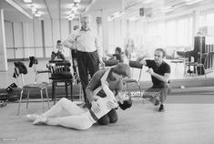 studio rehearsal for romeo and juliet with annette page 1965 margot fonteyn. Black Bedroom Furniture Sets. Home Design Ideas
