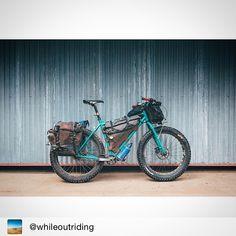 """891 likerklikk, 7 kommentarer – Inspirational bike loads (@bikepacks) på Instagram: """"Repost @whileoutriding ・・・ Tumbleweed in full battle, trailer-pulling mode. @tumbleweedbikes ・・・…"""""""