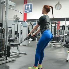 Building that hourglass shape. TAG A FRIEND you want to try this with! - More muscle = Faster metabolism = More calories burned. Your glutes and back are two of the largest muscle groups on your body. They're also the areas that if you build will create an hourglass shape where you might not have it naturally. I like to pair Glutes and Back on the same training day to maximize calories burned and work to create that top to bottom definition. - I did these at the end of my workout following…