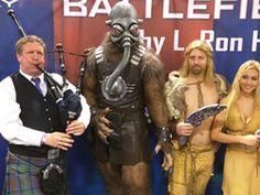 Battlefield Earth Comes to Life at Dragon Con 2016. #bagpiper #AtlantaKilts