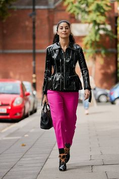 The Latest Street Style From London Fashion Week Spring Street Style, Street Style Looks, Fall Winter Outfits, Autumn Winter Fashion, Fashion Outfits, Womens Fashion, Fashion Trends, Fashion Weeks, Fashion Fashion