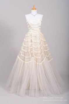 1950's Lace Trimmed Vintage Wedding Gown