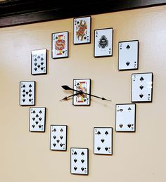 Modern Wall Clocks - On the Cutting Edge - Uncinetto Playing Card Crafts, Playing Cards, Home Crafts, Diy And Crafts, Wall Clock Design, Clock Wall, Diy Clock, Deco Restaurant, Man Cave Home Bar