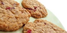 ANZAC Biscuits with dried fruit Pink Cookies, Cake Cookies, Biscuits Anzac, Biscotti Cookies, Shortbread Recipes, Shaped Cookie, Biscuit Recipe, Dried Fruit, Healthy Baking