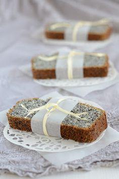 mushitza: Poppy Seed Tea Cake