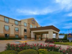 Houston (TX) Best Western Fountainview Inn and Suites Near Galleria United States, North America Best Western Fountainview Inn and Suites Near Gall is a popular choice amongst travelers in Houston (TX), whether exploring or just passing through. Featuring a complete list of amenities, guests will find their stay at the property a comfortable one. Facilities like 24-hour front desk, facilities for disabled guests, Wi-Fi in public areas, car park, meeting facilities are readily ...