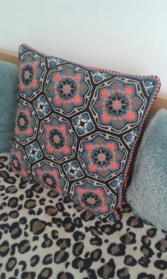 Persky motiv - vankus 50x50 cm Throw Pillows, Bed, Cushions, Stream Bed, Beds, Decorative Pillows, Decor Pillows