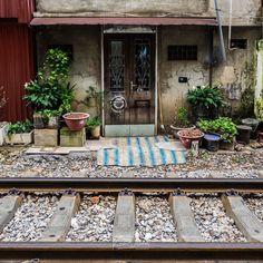 Doorways on the tracks at Hanoi.  #instagood #fun #hanoi #vietnam #photography #life #wow #travel #travelling #twitter #railway #tracks #door #olympus #olympus_au #olympusinspired #getolympus #asia #visiting #travelphotography #photooftheday #happy