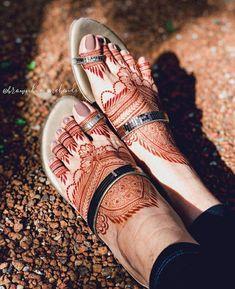 Leg Mehendi Design, Pretty Henna Designs, Indian Henna Designs, Leg Mehndi, Basic Mehndi Designs, Stylish Mehndi Designs, Latest Bridal Mehndi Designs, Mehndi Design Pictures, Mehndi Designs For Beginners