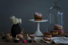 hannukah doughnuts receipe and deep dye dreidles diy on cafe-veyafe.com