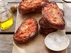Give us 5 minutes and we'll give you your new favorite (healthy!) side dish: Garlic-Tomato Toast.