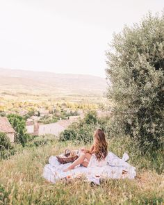 One of my favorite evenings in Provence. @tberolz and I packed up a picnic basket with lots of cheese and made our way over to a scenic spot overlooking Saint-Saturnin-lès-Apt. We watched as the village slowly started to shut down for the night