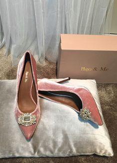 Bgo & Me Tienda online - Moda Louboutin Pumps, Christian Louboutin, Kitten Heels, Shoes, Shopping, Fashion, Bride Groom Dress, Engagement, Bride Shoes
