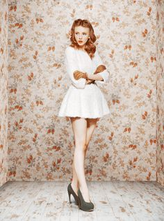 ULUYANA SERGEENKO 2011 #FLORAL #DRESS #GIRL #LEGS #WHITE